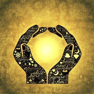 hands-751107_640